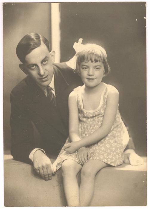 1939. Loeka en haar Vader Justus Wolf